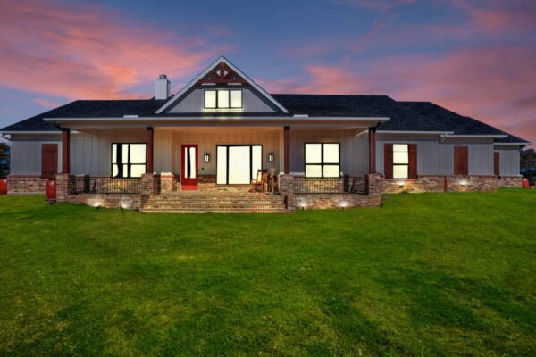 Farmhouse-Bedrock Custom Homes Texas100037